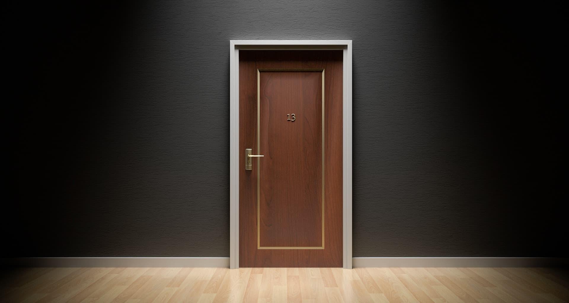 Imbiancare porte di legno