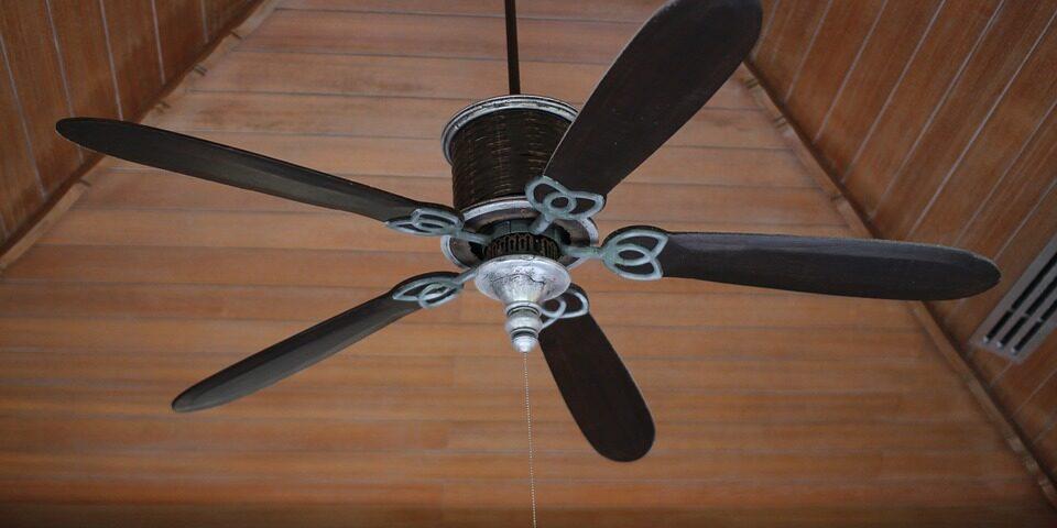 Installazione ventilatore a soffitto